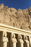 Statues of Queen Hatshepsut, Hatshepsut Mortuary Temple (Deir el-Bahri), UNESCO World Heritage Site, Luxor, Egypt