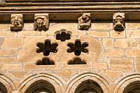 Canecillos de la Iglesia de la Natividad de Nuestra Señora (Añua). Elburgo. Ã. lava. País Vasco. España.