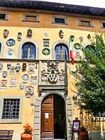 Palazzo dei Capitani della Montagna, 1377, House of Baldo Altoviti, Coat of Arms made of stone and clay, Cutigliano, , Pistoia, Abetone, Italy, Europe...