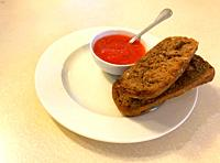Integral toast with tomato.