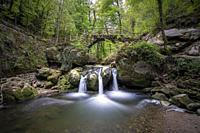 Europe, Luxembourg, Grevenmacher, Mullerthal Trail, Schiessentumpel Waterfall.