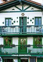 Traditional architecture, La Marina fishermen neighborhood, Hondarribia town, Txingudi bay, Jaizkibel Mountain range, Gipuzkoa province, Basque Countr...