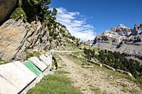 Ip reservoir track, Ip Valley, Jacetania, Huesca, Spain.