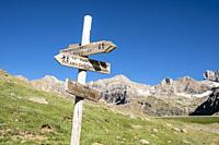route signage, Ip Valley, Jacetania, Huesca, Spain.