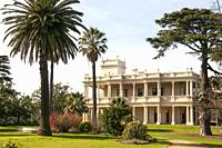 Anzac Hostel (Kamesburgh Mansion), now serving as a hostel for aged war veterans, is an 1874 Italianate mansion set in an extensive formal garden in B...