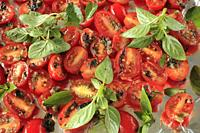 Cherry tomatoes with basilic,.