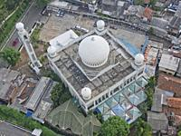 Mosque in downtown Jakarta, Indonesia.