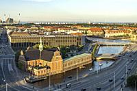 Die evangelisch-lutherische Holmens Kirke, Holmens Kanal und die Nationalbanken in Kopenhagen, Dänemark, Europa | Parish church The Holmen Church, Hol...