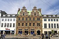 Das Mathias-Hansen-Haus im Renaissancestil am zentralen Platz Amagertorv in Kopenhagen, Dänemark, Europa | Renaissance-style townhouse Matthias Hansen...