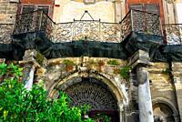Piazza Bologni, Palazzo Alliata di Villafranca, architectural detail, Palermo, Sicily, Italy, Europe