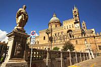 View to the Cathedral and statues at the historic center, Palermo, Sicily, Italy, Europe.