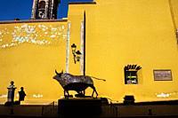 Iron bull statue, Centro Bellas Artes, San Miguel de Allende, Guanajuato, Mexico.