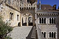 The Religious City or sanctuary of Rocamadour is a Marian city built on the side of the cliff of the Alzou canyon.