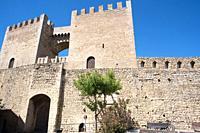 Morella, wall (14-15th centuries). Sant Miquel portal. Els Ports, Castellon, Comunidad Valenciana, Spain.