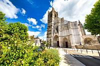 Cathedrale Saint-Etienne, Auxerre, Yonne, Burgundy, Bourgogne, France, Europe