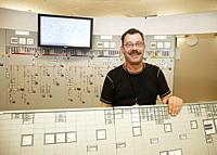Forsmark kärnkraftverk. Utbildaren Sven-Ške Bergman visar. . Photo: André Maslennikov.