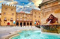 Fuente estatua del Rey Pelayo, Palacio de Revillagigedo, Plaza del Marqués, Cimadevilla, Gijon. Asturias. Spain, Europe