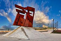 ´Nordeste´ (North-East), escultura de Joaquín Vaquero Turcios, Cimadevilla. Gijón. Asturias, Spain, Europe