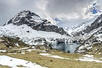 Gloriettes lake in Estaube valley, Pyrenees national park, France