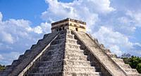Pyramid of Kukulcan, Chichen Itza Mexico.