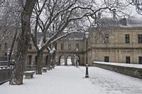Snow day in San Lorenzo de El Escorial, Madrid.