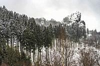 Verschneite Winterlandschaft Bruchhauser Steine im Sauerland, Bruchhausen, Olsberg, Hochsauerlandkreis, Nordrhein-Westfalen   Snowy winter landscape B...