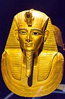 Egypt, Cairo, Egyptian Museum, jewellery found in the royal necropolis of Tanis, burial of the king Psusennes I : Gold mask covering the upper part of...