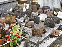 cemetery, Lauzun, Lot-et-Garonne Department, Nouvelle-Aquitaine, France.