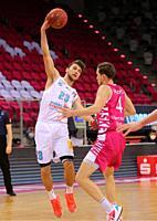 Bonn, Germany, 14.02.2021, Telekom Dome, Basketball Bundesliga, Telekom Baskets Bonn vs Syntainics MBC Weissenfels: Michael Michalak (MBC) und Strahin...