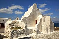 View to the Paraportiani Church at the town center, Mykonos Island, Cyclades Islands, Greek Islands, Greece, Europe.