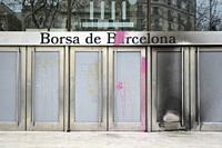 February 20th, 2021. Barcelona, Spain. Damage to the façade of the Barcelona Stock Exchange following protests against the imprisonment of the Catalan...