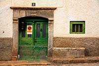 Housing door in Sallent de Gállego. Tena valley. Huesca.