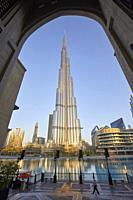 Burj Khalifa at dusk, Dubai, United Arab Emirates.