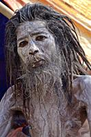 Aghori Baba on chandra ghat or burning ghat, Bénares, UP, india.