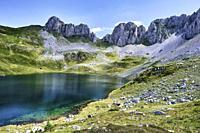 Ibon de Acherito mountain glaciar lake. Ibon de Acherito route. Valles Occidentales Natural Park. Huesca, Aragon, Spain, Europe.