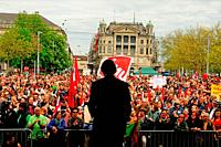 1. Mai: National councillor and SGB-labour president Paul Rechsteiner speaking in Zürich at Bürkliplatz in front of labour protestors.