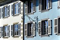 Europe, Switzerland, Canton Vaud, facades of townhouses along Grand-Rue in center of Rolle, town on shore of Lake Geneva (Lac Léman) between Nyon and ...