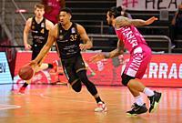 Bonn, Germany, 05.05.2021, Telekom Dome, Basketball Bundesliga, Telekom Baskets Bonn vs Loewen Braunschweig: Karim Jallow (Braunschweig) und Chris Bab...
