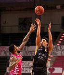 Bonn, Germany, 05.05.2021, Telekom Dome, Basketball Bundesliga, Telekom Baskets Bonn vs Loewen Braunschweig: James Thompson IV (Bonn) und James Robins...