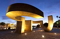 Chillida sculpture, Sevilla, Andalusie, Spain.