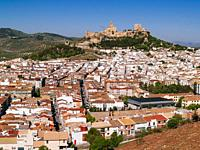Cityscape with La Mota fortress, of Islamic origin, on the hill with the same name. Alcalá la Real, Jaén, Andalucía, Spain, Europe.