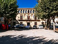 The municipal palace, seat of the town hall, is a baroque building. The upper gallery stands out, which shows in the key of its arches a series of mas...