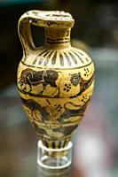 Aryballos (flask) piriformis of the transitional proto-Corinthian (640-625 BC) - Tarquinia National Archaeological Museum, Italy.