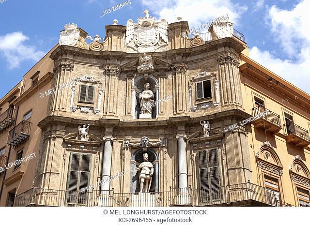 One of four buildings, Quattro Canti, Corso Vittorio Emanuele and Via Maqueda, Piazza Vigliena, Palermo, Sicily, Italy