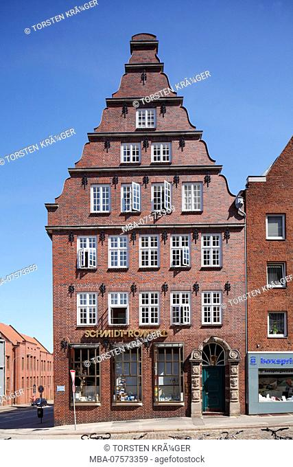 Historic gabled house in Mengstrasse, Old Town, Lübeck, Schleswig-Holstein, Germany, Europe