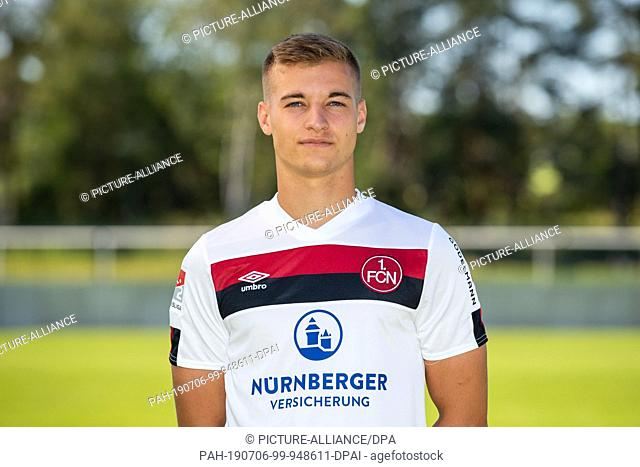 04 July 2019, Bavaria, Nuremberg: Soccer 2nd Bundesliga: 1st FC Nuremberg photo session for the 2019/20 season at the Valznerweiher training ground