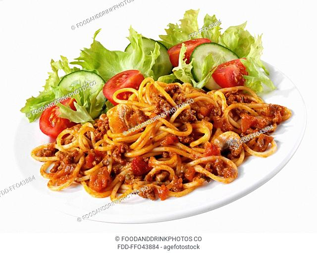Spaghetti Bolognese With Salad