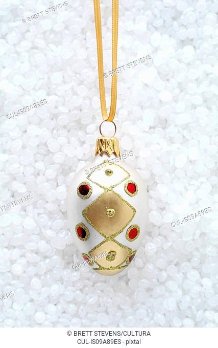 Oval bauble with red jewels