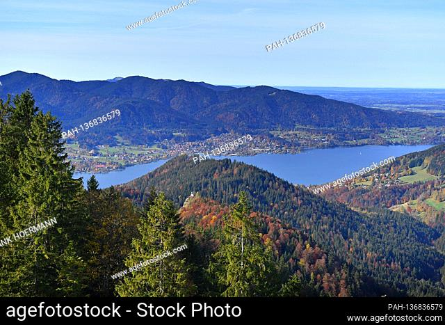Golden October hike to the Baumgartenschneid. View of the Tegernsee with Bad Wiessee on October 25th, 2020. Wonderful hiking weather attracts many excursionists...