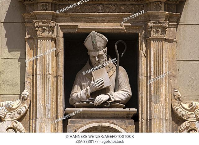 Statue above the entrance of the Chapel of Saint Valero, La plaza de la Almoina in Valencia, Spain, Europe